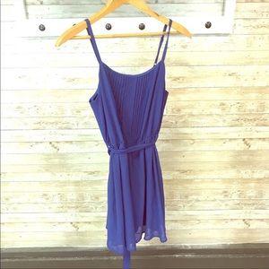 Forever 21 Dresses - Forever 21 pleated tie back dress